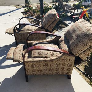 Recliner single sofa. I have two. ,$ 135each for Sale in Los Alamitos, CA
