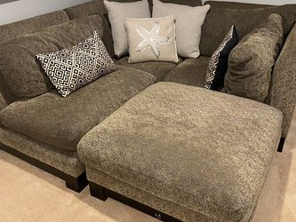 Sectional Sofa & Ottoman for Sale in Hingham,  MA