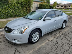 2012 nissan altima, clean title for Sale in Fresno, CA