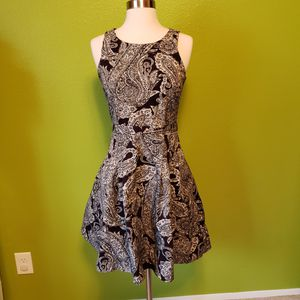 Banana Republic Paisley dress with pockets for Sale in Kent, WA