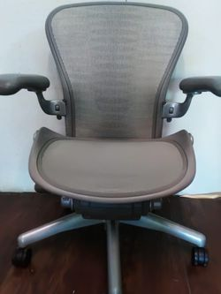 """""""AERON B"""" By HERMAN MILLER ERGONOMIC OFFICE CHAIR for Sale in San Diego,  CA"""