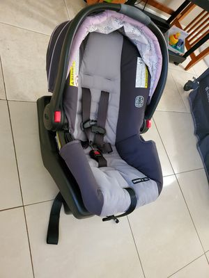 Graco Click Connect Baby Car Seat for Sale in Kissimmee, FL
