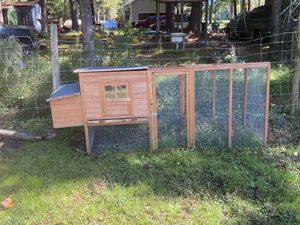 Large chicken coupe for Sale in Carrollton, VA