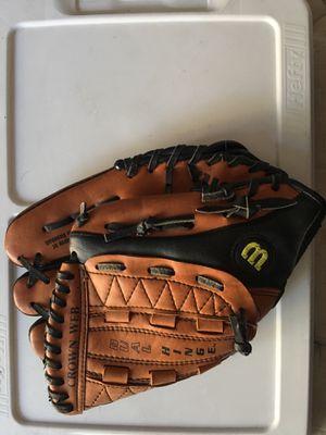 Wilson dual hinge glove ⚾️ for Sale in Los Angeles, CA