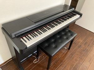 Yamaha Clavinova CLP-560 Electric Piano for Sale in San Francisco, CA