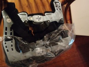 Left and right knee braces for Sale in Marietta, OH