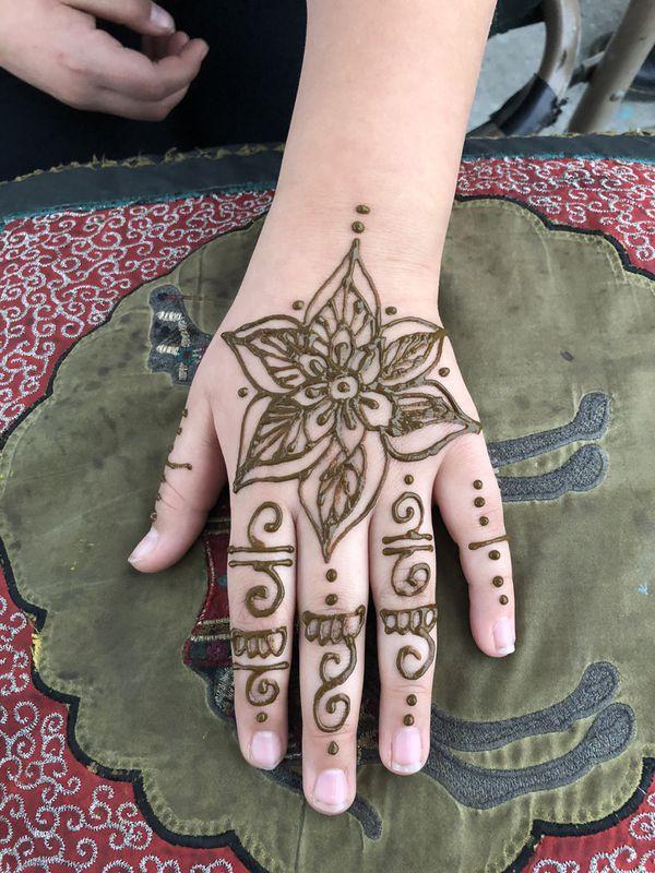 Mehndi bohemian henna