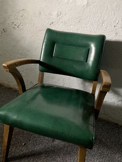 FREE Green Leather Chair for Sale in Portland,  OR