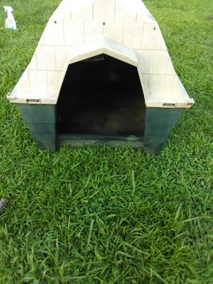 2 used medium size dog houses for Sale in Tullahoma, TN