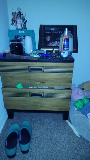 Small Brown and black dresser for Sale in Tampa, FL
