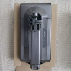 Dyson V10 Battery Power Pack & Screws for Sale in Los Angeles, CA