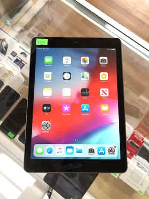 Ipad Air 1st gen 9.7 inch wifi 32gb for Sale in Renton, WA