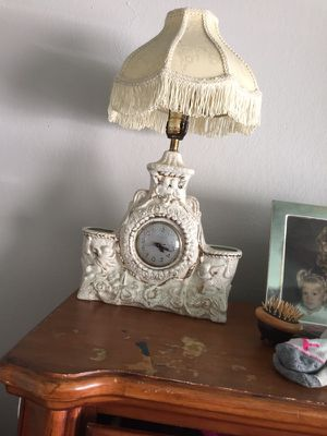Antique 22k gold hand decorated clock/lamp. for Sale in Bethalto, IL