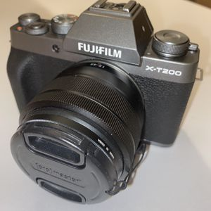 Fuji film Xt200 Silver w/ SD Card, ND Filter, And Lens for Sale in Columbus, OH