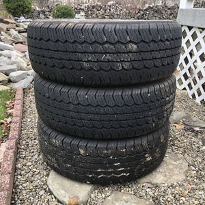 P235/65R17 3tires for Sale in Buffalo, NY
