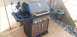 BBQ grill Dyna Glo 4 burner plus side burner Natural gas grill for Sale in Corona, CA