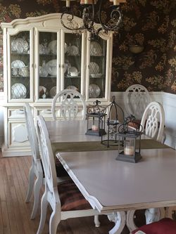 Vintage Painted China Cabinet for Sale in Bluemont,  VA