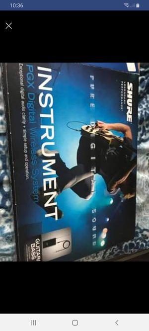 Shure guitar or bass wireless sistem for Sale in Murfreesboro, TN