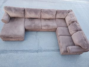 Sectional couch, size 7.5/11.5/5ft , ashely furniture brand for Sale in Seattle, WA