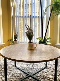 Round Coffee Table for Sale in Houston,  TX