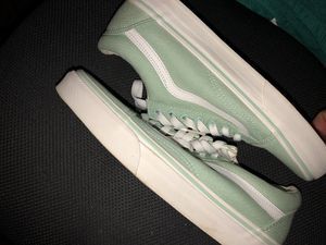 VANS WOMEN 9.0 / MEN 7.5 for Sale in Moreno Valley, CA