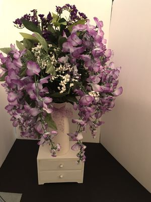 Beautiful Purple Lilac Wisteria Flora Arrangement . for Sale in Ewing Township, NJ