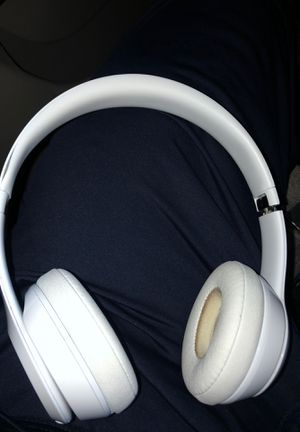 Beats solo 3s wireless for Sale in Fulton, MD