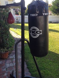 Heavy Bag Speed Bag Combo 111$ T-Mobile for Sale in Whittier,  CA