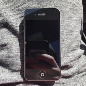 Factory Unlocked iPhone 4S 16gb for Sale in Austin, TX