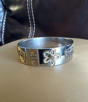 Henry Bendel Women Bracelet (Special Edition ) Excellent Condition, Pre owner. for Sale in Davie, FL