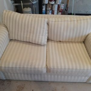 Matching Sofa N loveseat for Sale in Happy Valley, OR