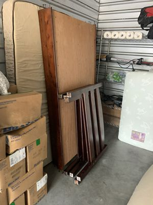 Twin beds w/ Mattresses ($10 Delivery) for Sale in Austin, TX