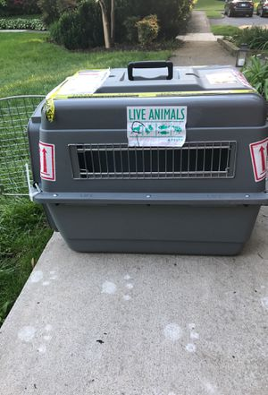 Dog crate Med for Sale in Herndon, VA