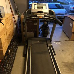 Nordictrack Commercial 12 Speed Treadmill for Sale in Vallejo,  CA