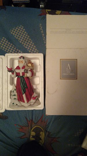 🎅🤶🎄1994 Avon Santa Porcelain Figure With Toys and Winter Cardinals for Sale in Portland, OR