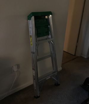 Werner 4ft ladder 20$ for Sale in Orlando, FL
