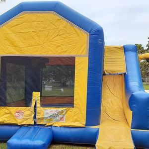 For sale jump climb slide with basketball hoop for Sale in Miami, FL