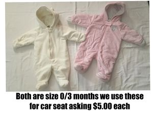 Baby girl snow suit size 0/3 months for Sale in Lockport, IL