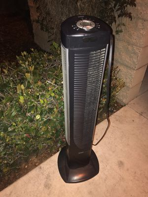 Seville Classics UltraSlimline 40 in. Oscillating Tower Fan for Sale in San Diego, CA
