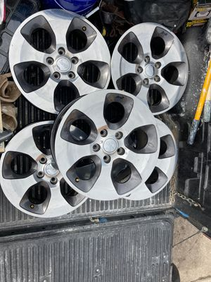 5 jeep wheels for Sale in Kissimmee, FL