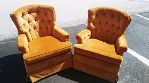 VINTAGE PAIR OF CHAIRS for Sale in Fort Lauderdale, FL