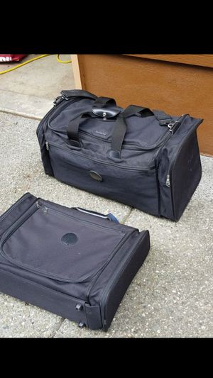 Set of two Samsonite duffle bags / suitcase in excellent condition like brand new. Used only once. No smells. No smoke no pets for Sale in Everett, WA