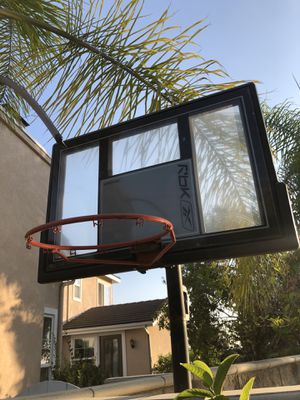 🏀 Basketball hoop by Reebok - Water-filled bottom, just needs net for Sale in La Habra, CA