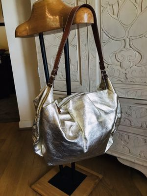 Looks brand new authentic Kate Spade Hobo for Sale in Silver Spring, MD