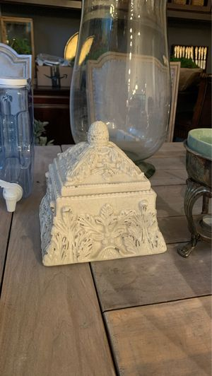 Ceramic box with acanthus detail and distressed crackle finish for Sale in Fountain Valley, CA