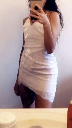 White dress size small or extra small new not used for Sale in Katy, TX
