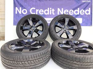 """20"""" Jeep Grand Cherokee wheels and tires used minor curb rash set of 4 only 699.00 for Sale in Macomb, MI"""