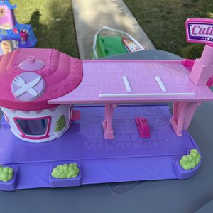Shopkins Cutie Cars Toy Garage for Sale in West Covina, CA