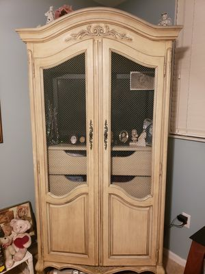 Antique bedroom set or individual pieces for Sale in Pembroke Pines, FL