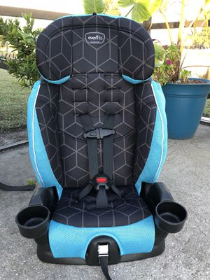 Evenflo Combination Car Seat to Booster 22-100lbs for Sale in West Palm Beach, FL